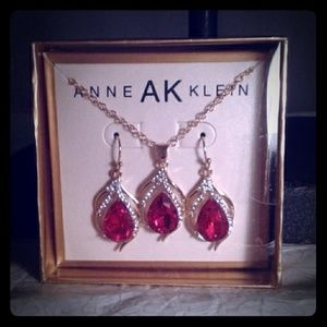 Gemstone Necklace with matching earring set